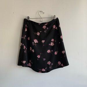 Dresses & Skirts - Vintage Dark Floral Wrap Skirt